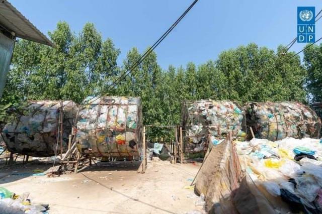UNDP Declares Battambang Model City for Waste Management
