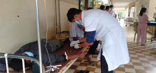 Alcohol Poisoning Death Toll Rises in Kampot and Kandal