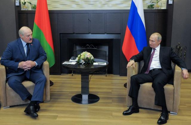Putin hosts Lukashenko amid Western outcry over plane