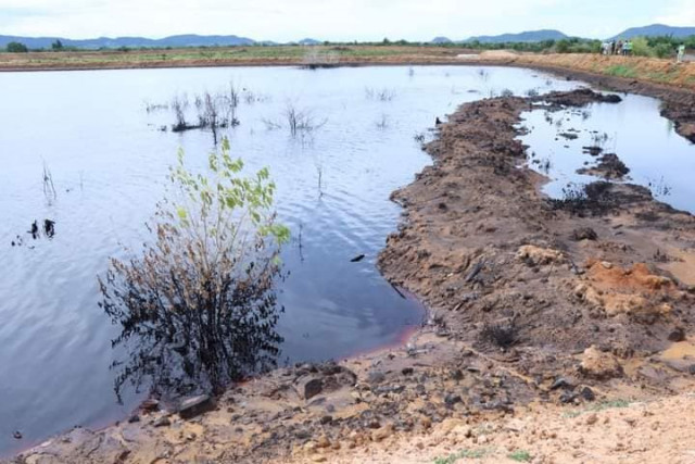 The Authorities Investigate a Liquid Leak from a Chinese Company Plant in Battambang Province