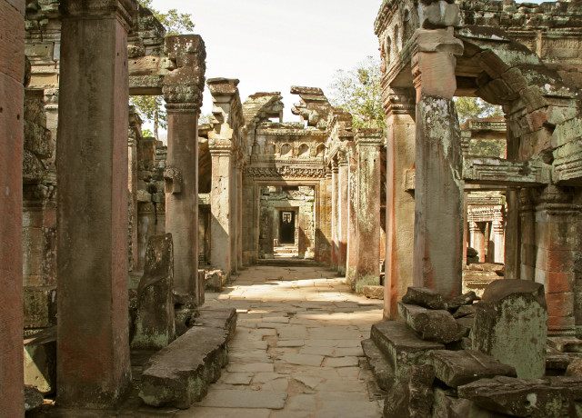 Cambodian and Mexican Heritage-Site Organizations Hold a Conference on Challenges Involved