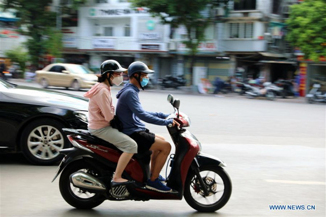 Vietnamese capital to reopen in-store services of restaurants, hair salons