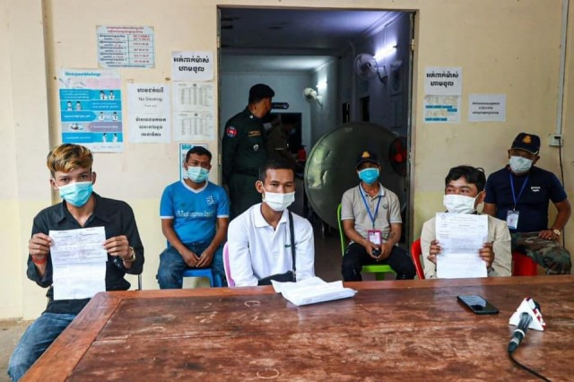 Individuals Are Arrested for COVID-19 Vaccination Trade in Preah Sihanouk Province