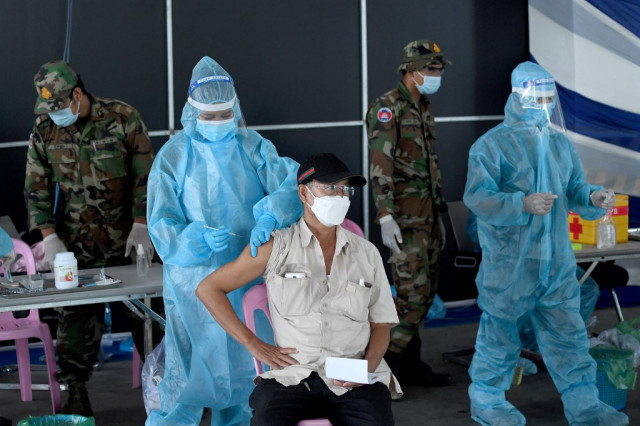 Cambodia Registers 915 New COVID Cases as Deaths Near 1000