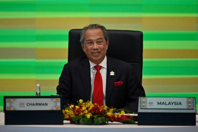 Malaysian PM urged to quit after rare royal rebuke