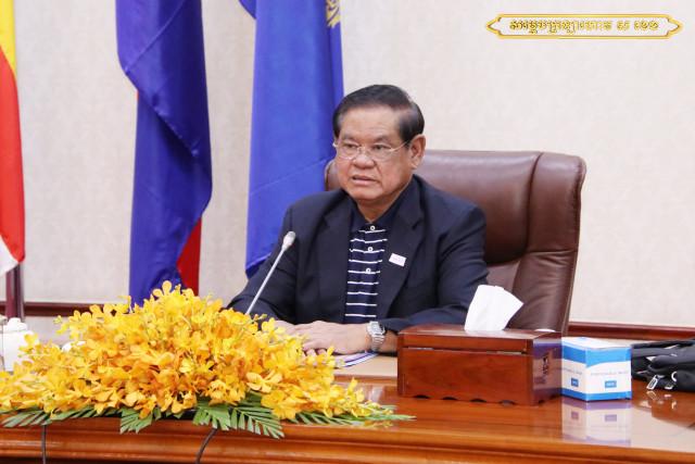 Interior Minister Sar Kheng Mulls Cutting Civil Service Staff