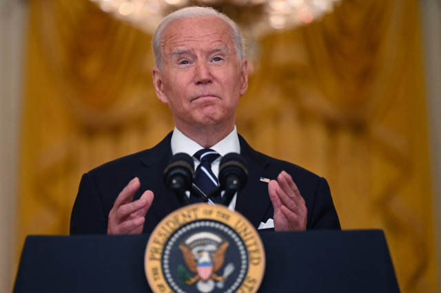Biden says US troops could stay longer in Kabul to rescue last Americans