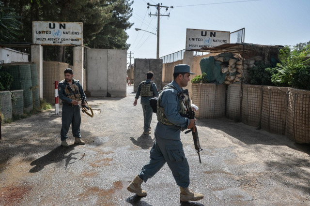 UN begins removing some staff from Afghanistan
