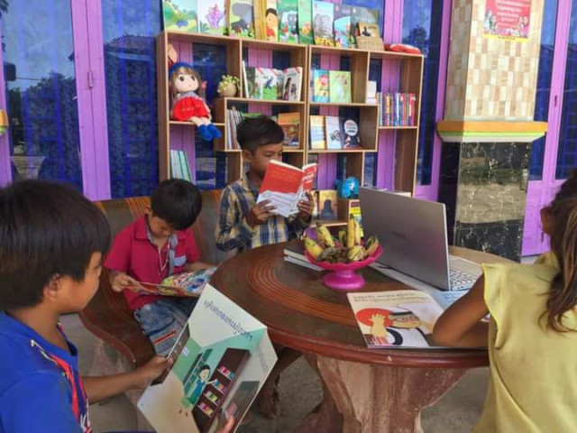 A University Student Creates Village Libraries for Children in the Countryside