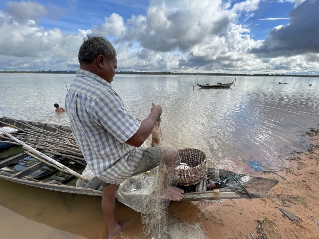 Fishers at West Baray Suffer After Rain Delays