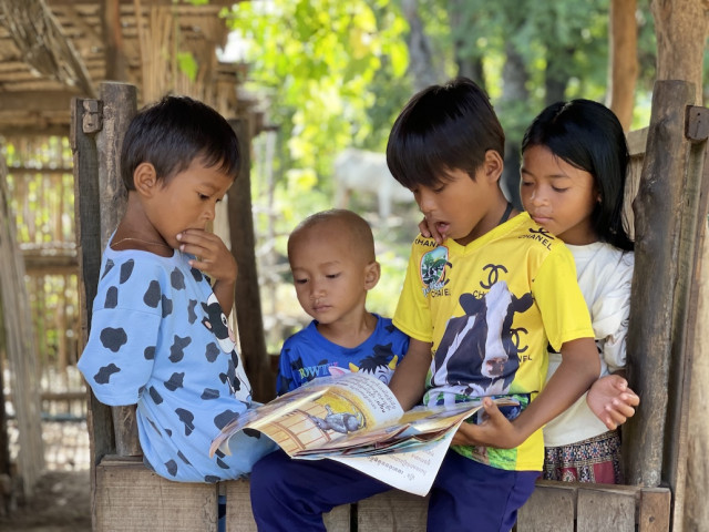 Mobile Countryside Libraries Help Develop a Reading Habit among Young Cambodians