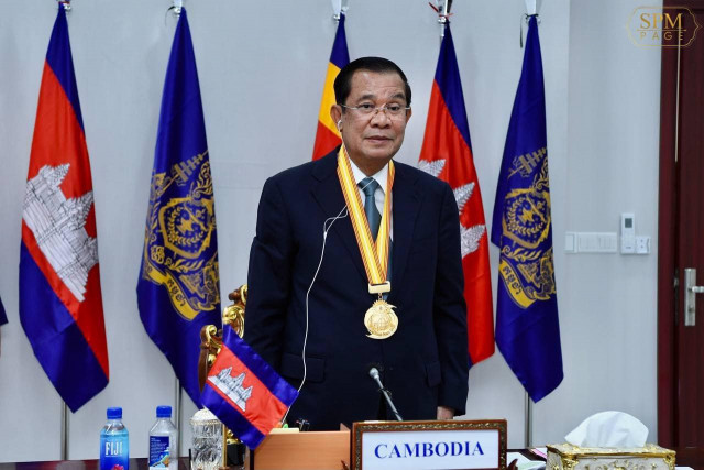 Hun Sen Awarded the Peace Gold Medal at the Universal Peace Federation's Conference
