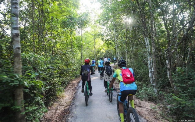Cycling-Tree Planting to Mark Siem Reap Culture Event