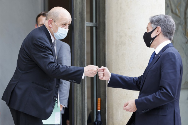France, US meet but says patching up will take time