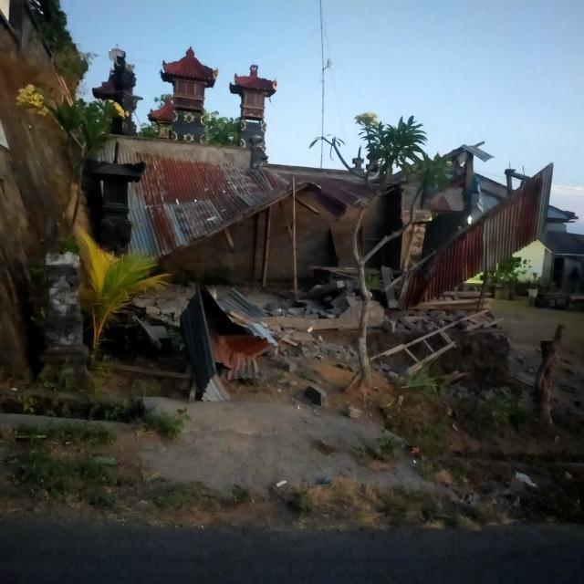 Bali earthquake kills three, injures seven