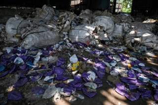 China plastic waste ban throws global recycling into chaos