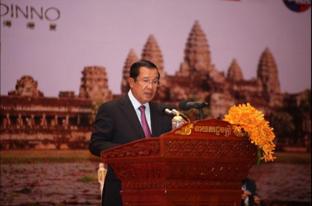 Hun Sen calls on journalists to combat fake news and support genuine news coverage