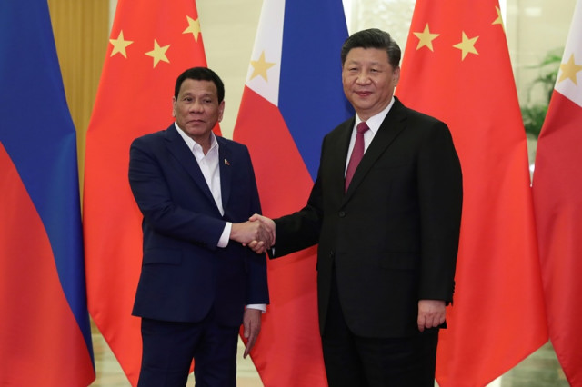 Philippines' Duterte to visit Beijing amid China sea tensions