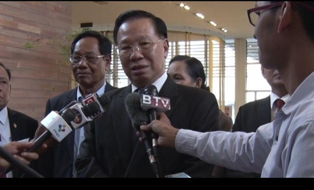A Parliamentarian says Vietnamese Immigrants in Cambodia Can Apply for Citizenship