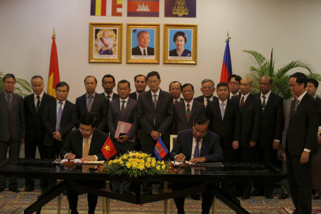 Cambodia, Vietnam pledge to boost ties