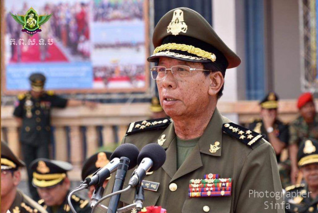 Defense minister orders army to be on lookout for rebels