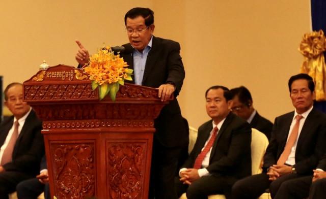 Prime Minister Hun Sen is Considering Beating as Sentence for Littering