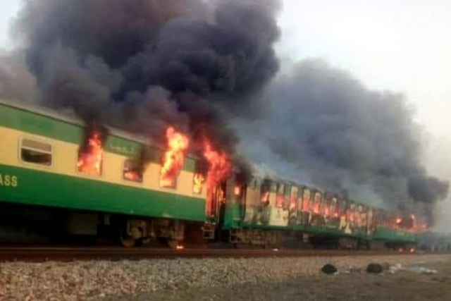 65 killed as passenger train catches fire in east Pakistan