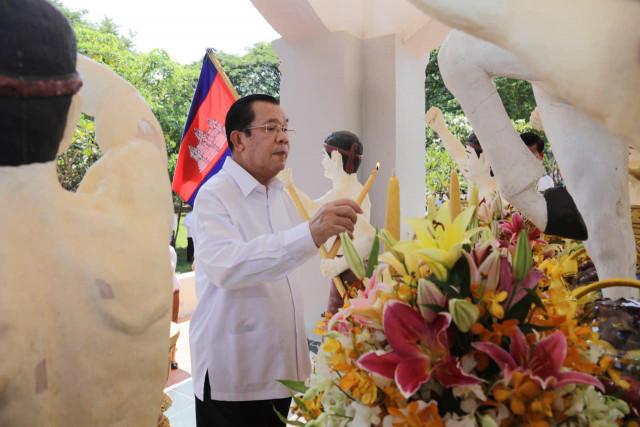 Hun Sen sends Christmas message