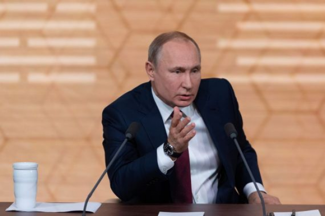 "Putin calls raising citizens' income ""number one goal"""