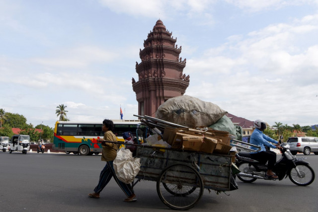 IMF says Cambodia remains at low risk of external debt distress