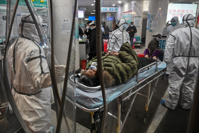 Virus deaths in China pass 360, exceeding SARS mainland toll