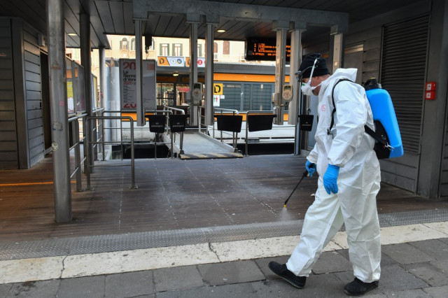 Italy unveils 25-billion-euro virus rescue plan