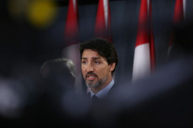 Trudeau, in quarantine, telegoverns Canada