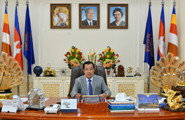 Hun Sen Orders Citizens and Officials Not to Travel to Europe, US or Iran