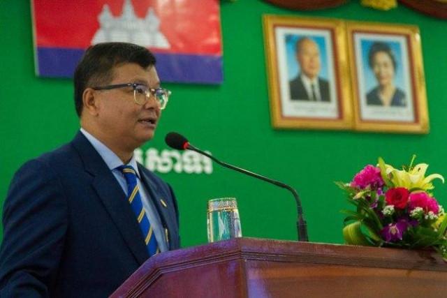 Cambodian Schools Close in Bid to Contain COVID-19 Outbreak