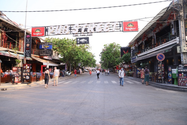 Vendors and Small Businesses in Siem Reap City Are Struggling due to the Drop in Visitors