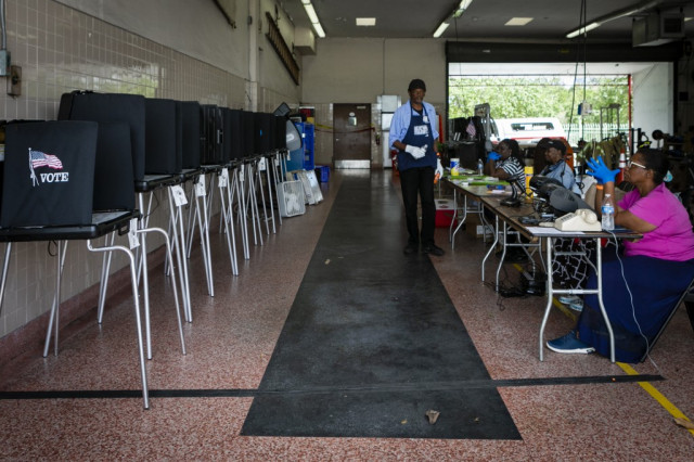 Hit by coronavirus, US Congress considers remote voting