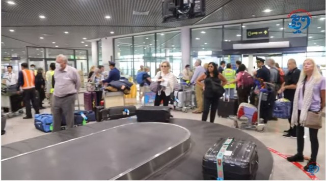 Visas for Foreign Visitors Will Not Be Issued at Cambodian Airports over the Next Month