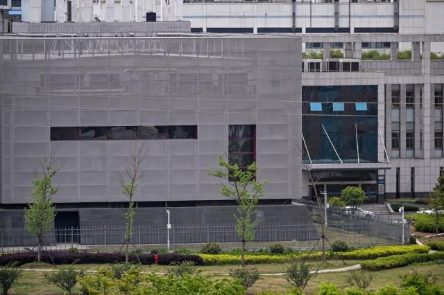Director of Wuhan lab denies virus link