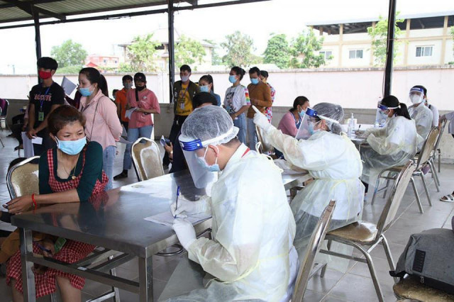 Labour Ministry Performs 1,018 Health Checks on Returning Garment Workers