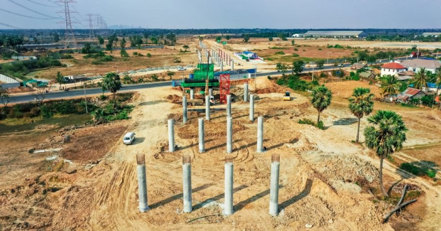 Construction of Cambodia's first expressway progresses steadily despite COVID-19 threat