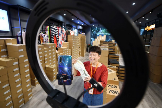 China Focus: Enterprises go virtual for sustained development