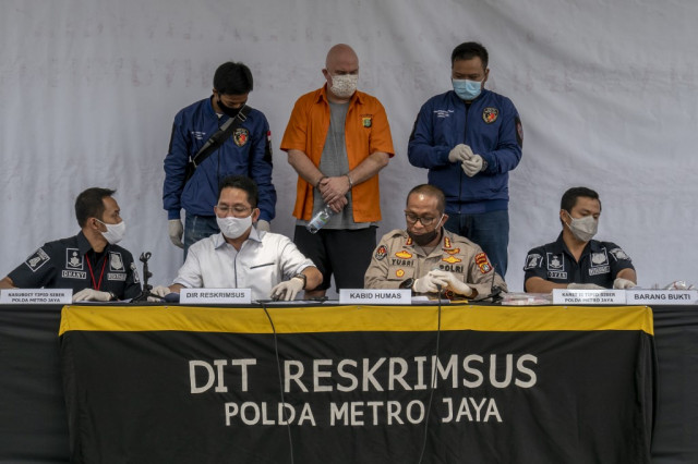 Indonesia arrests US fraud fugitive on local sex charges