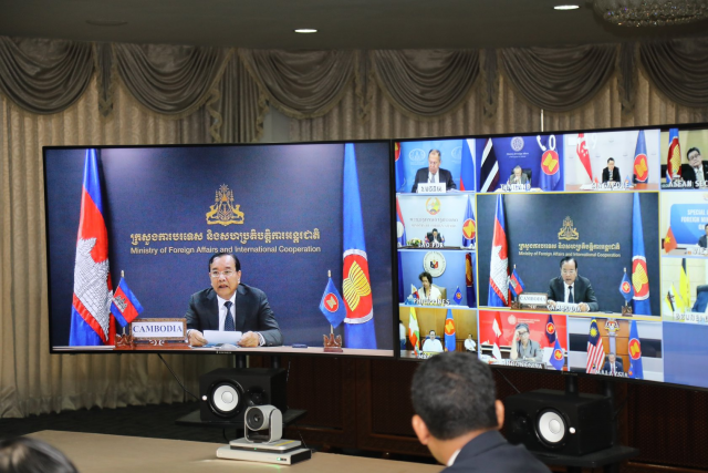 Prak Sokhonn calls for strong measures to stimulate the post-COVID-19 economy