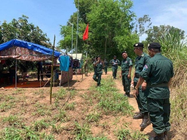 Vietnam Continues to Maintain Temporary Military Camps along the Border
