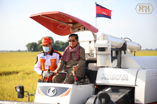 Cambodia identifies 50,000 more poor families affected by COVID-19: PM