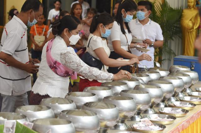 Applauding Cambodia's COVID-19 success
