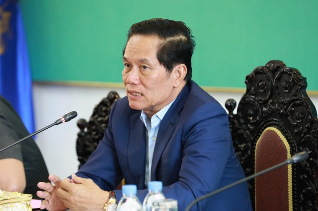 Governor Won't Intervene in Grand Phnom Penh Borey Dispute