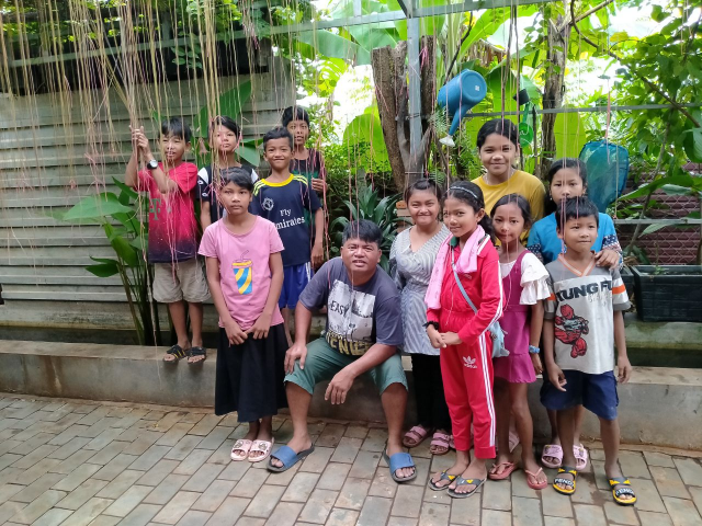 No Cash, Just Trash: the Siem Reap Teacher Exchanging English Classes for Plastic Waste