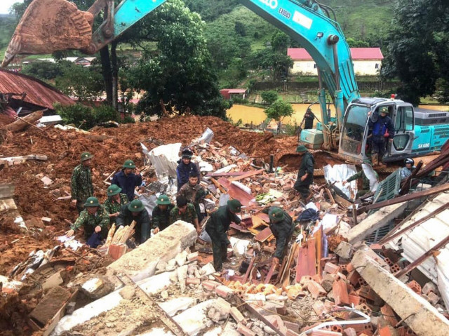 5 soldiers dead, 17 missing in Vietnam after second big landslide in days